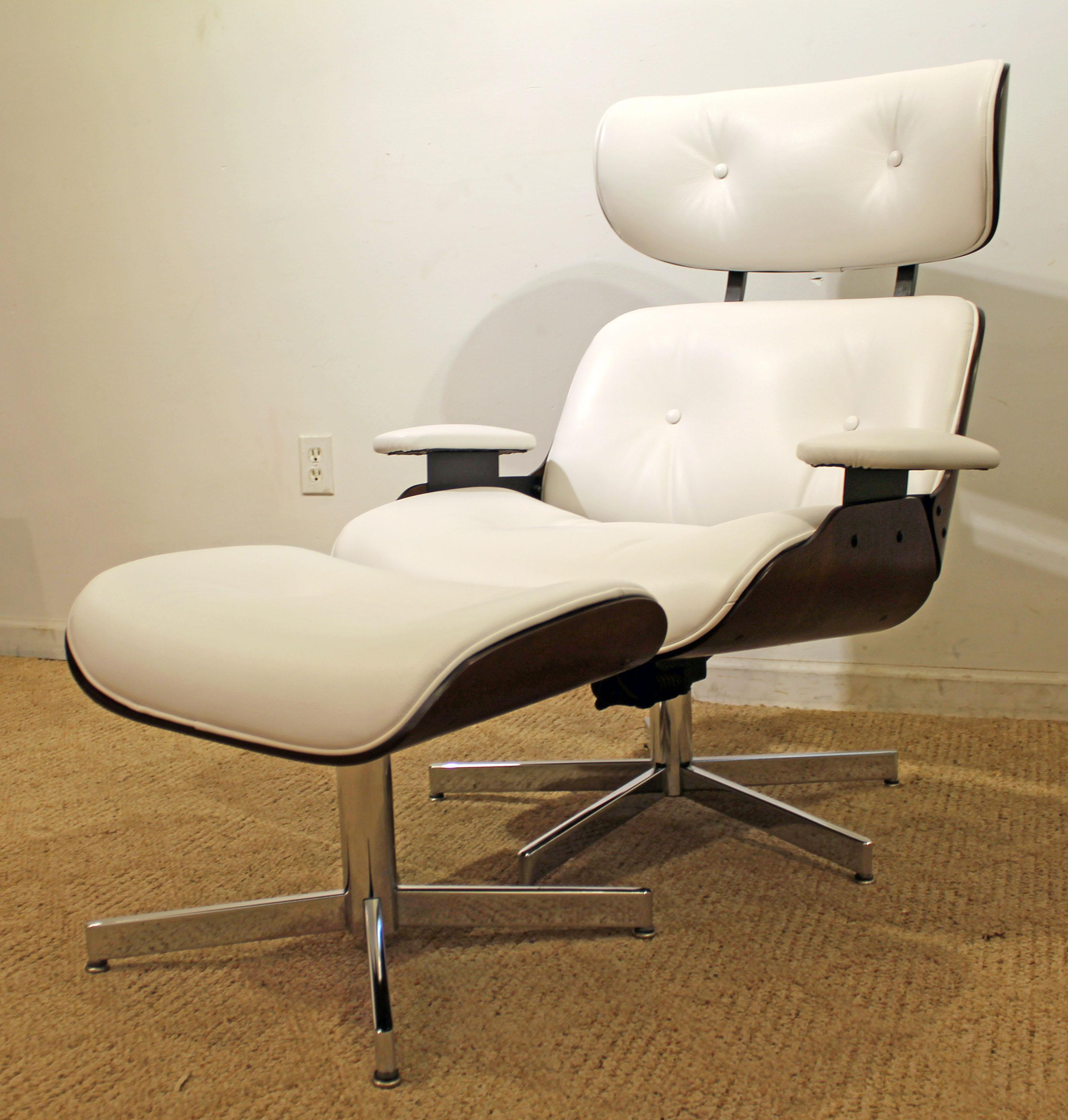Offered Is A Mid Century Danish Modern Selig Eames Leather Swivel
