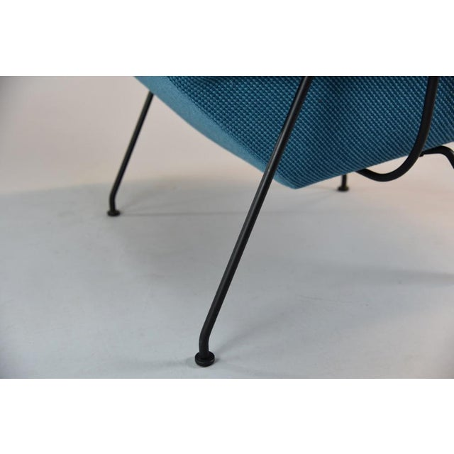 Womb Chair and Ottoman in Cato Blue Knoll Fabric For Sale In Philadelphia - Image 6 of 8