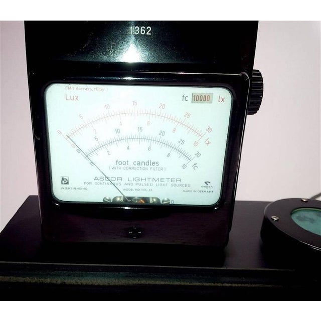 Industrial Working Cinema Footcandle Light Meter Circa 1960s with Probe. Display As Sculpture For Sale - Image 3 of 3