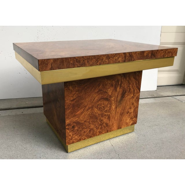 Vintage Mid-Century Modern faux burl wood and brass parsons style accent table circa 1960s. Original faux burlwood finish,...