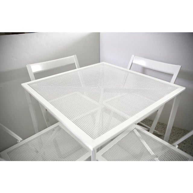 1970s Modern White Five-Piece Patio Dining Set For Sale - Image 4 of 9