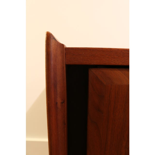 Brown 1960s Dillingham Nightstands - A Pair For Sale - Image 8 of 10
