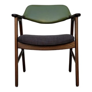 Vintage Solid Walnut Two-Tone Dark Green/Gray Tweed Arm Chairs (4 Available) For Sale