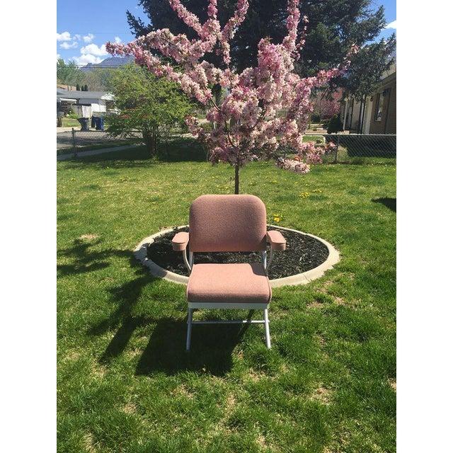 Warren McArthur Pink Upholstered Folding Chair - Image 3 of 8