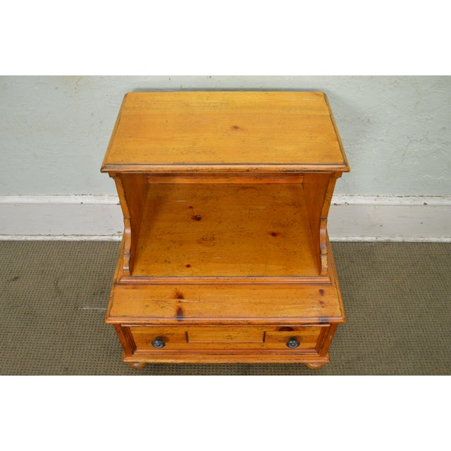 2000s Drexel Heritage Pinehurst Collection Rustic 1 Drawer Side Table of Nightstand For Sale - Image 5 of 13