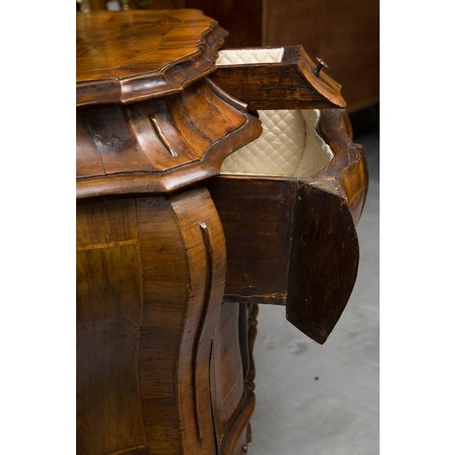 Burlwood 19th Century Pair of Italian Rococo Style Walnut Commodes For Sale - Image 7 of 10
