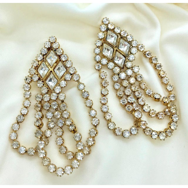 1960s 1960s William deLillo Goldtone and Clear Crystal Dangling Earrings For Sale - Image 5 of 8