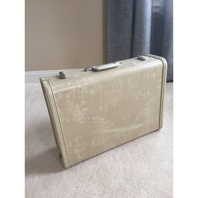 Mid-Century Modern Vintage Royal Traveler Suitcase For Sale - Image 3 of 11