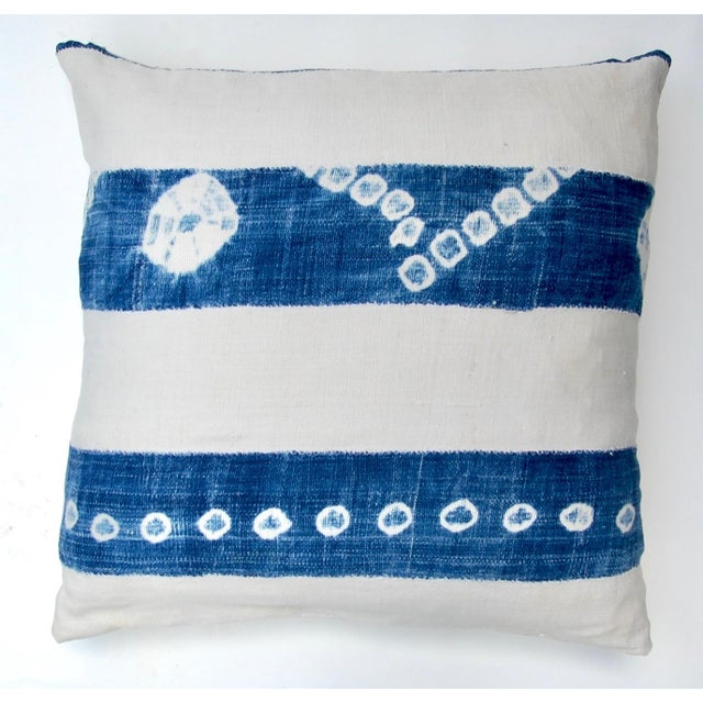 2000s African Indigo Tie-Dye Pillow Pair For Sale - Image 5 of 7