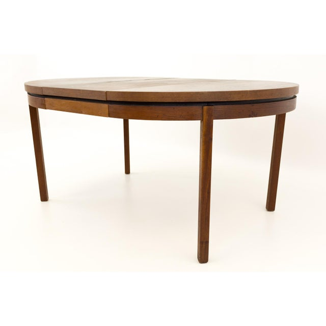 Wood Mid Century Modern Milo Baughman for Dillingham Esprit Round Dining Table For Sale - Image 7 of 13