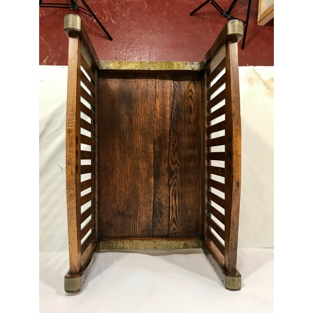 1900 - 1909 Stickley Inspired Arts and Crafts Firewood Hod For Sale - Image 5 of 7
