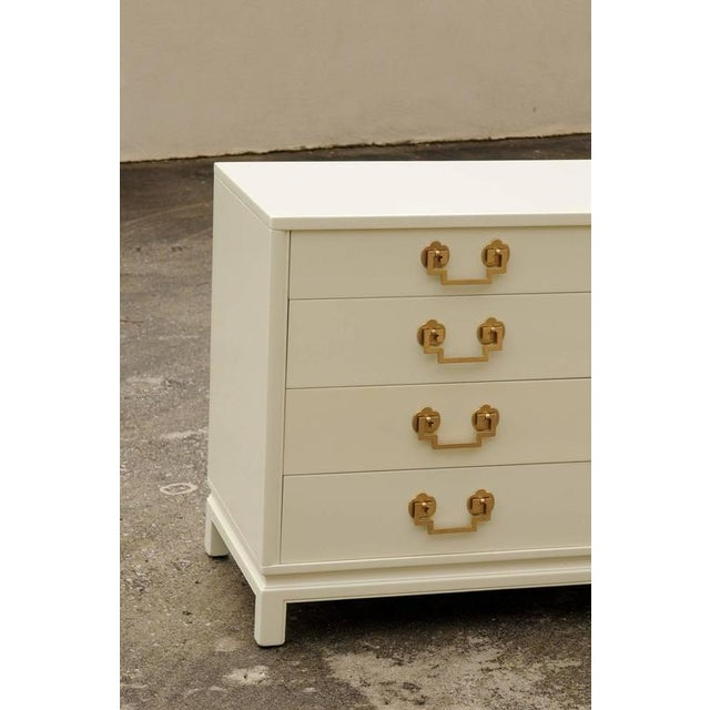 Lacquer Stellar Restored Landstrom Eight-Drawer Chest in Cream Lacquer For Sale - Image 7 of 10