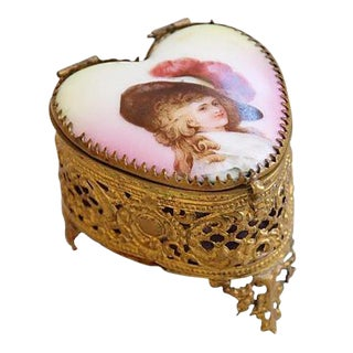 1920s French Hand-Painted Heart Shaped Trinket Keepsake Box For Sale