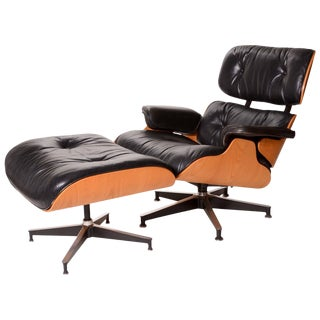 Vintage Charles and Ray Eames Oak and Leather 670 Lounge Chair and 671 Ottoman For Sale