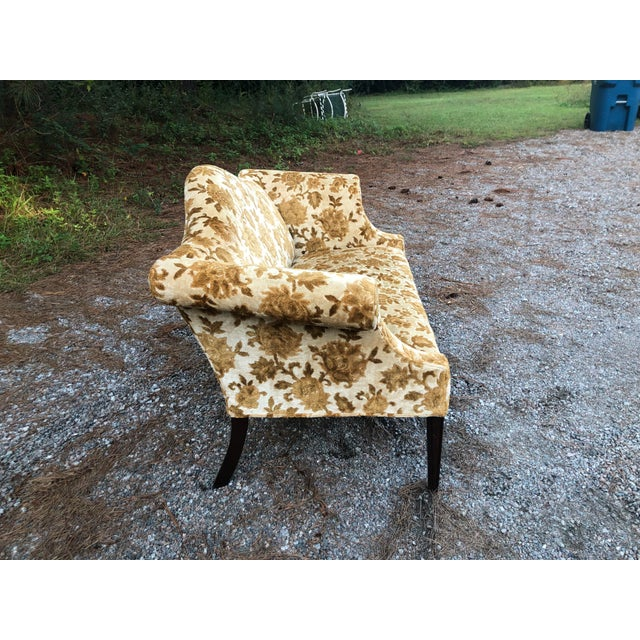 Gold floral fabric Great size Uses at the foot of your bd Use for banquette