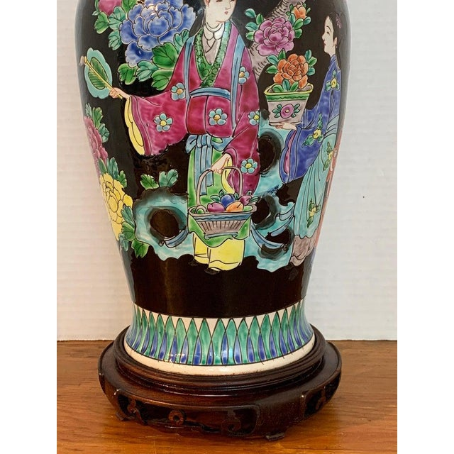 Japanese Vase With Black Background in the Style of Chinese Famille Verte For Sale - Image 9 of 11