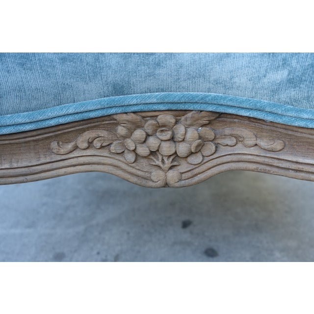 French Louis XV-Style Blue Velvet Ottoman - Image 4 of 5