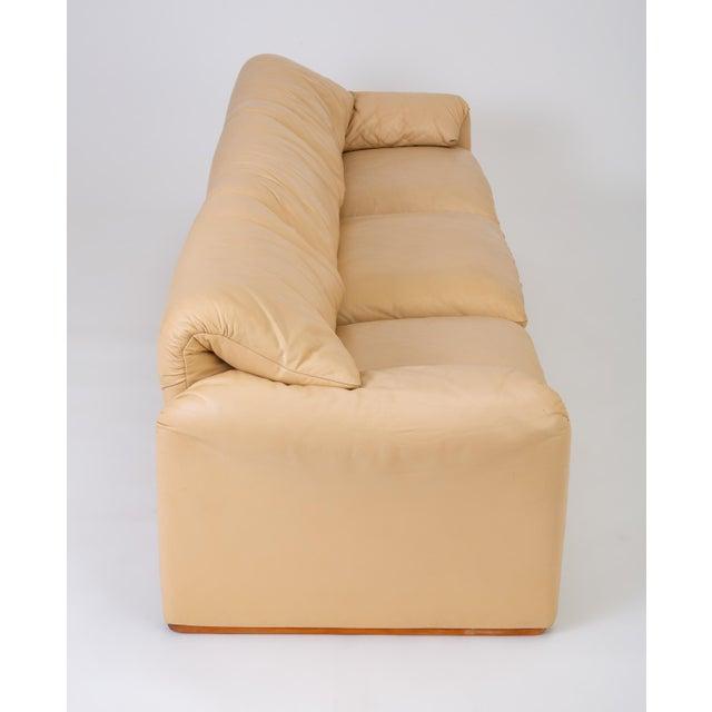 "Leather ""Maralunga"" Sofa by Vico Magistretti for Cassina For Sale - Image 9 of 12"