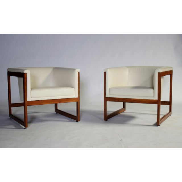 Mid-Century Modern Milo Baughman Floating Cube Club Chairs For Sale - Image 3 of 10