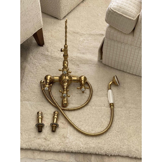 Ceramic French Style Telephone Shower Head With Bathtub Diverter For Sale - Image 7 of 7