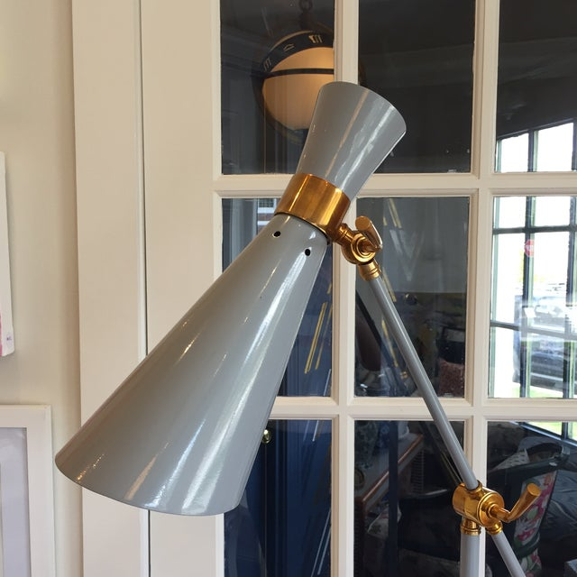 Mid-Century Modern Bungalow 5 Wasp Floor Lamp For Sale - Image 3 of 12