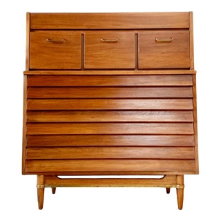 Mid Century Modern Dresser or Chest by American of Martinsville For Sale
