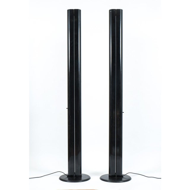 1970s Pair of Black Megaron Floor Lamps by Gianfranco Frattini for Artemide For Sale - Image 5 of 6