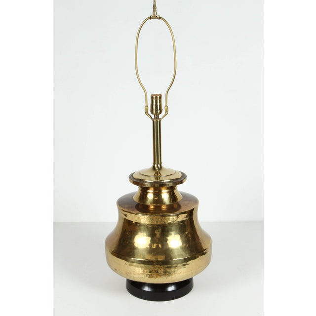 Hollywood Regency Pair of Polished Moroccan Brass Table Lamps For Sale - Image 3 of 9