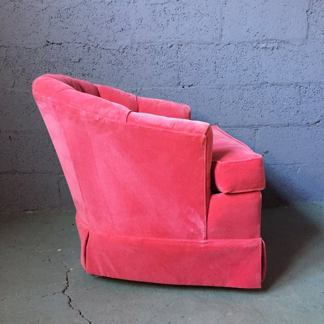 1960s Pink Velvet Tufted Lounge Chairs - A Pair For Sale - Image 5 of 11