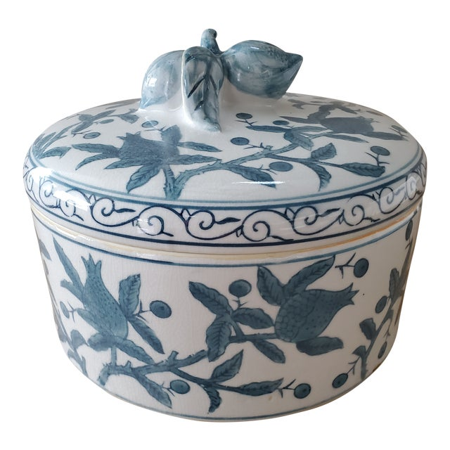 Lidded Chinoiserie Vessel With Fruit Motif For Sale
