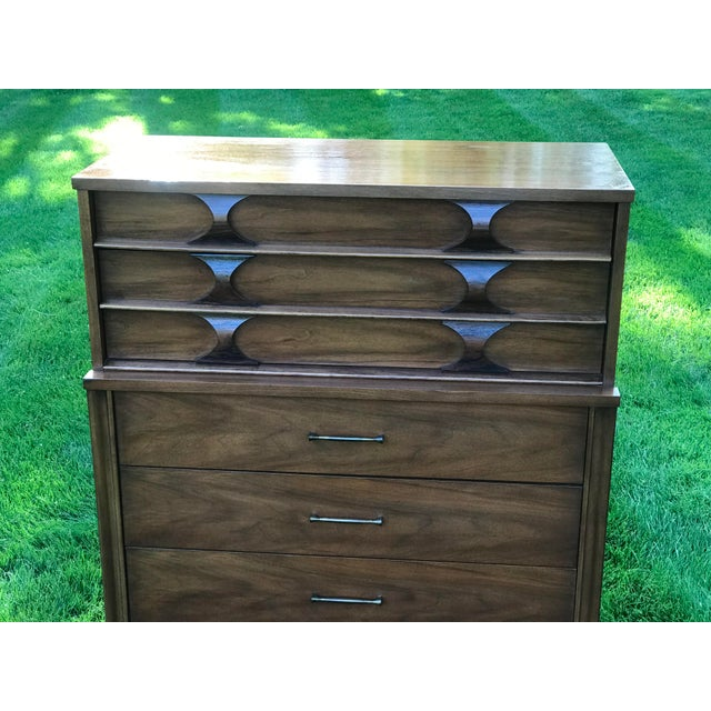 Kent Coffey 1960s Mid-Century Modern Kent Coffey Walnut & Rosewood Perspecta Highboy Dresser For Sale - Image 4 of 8