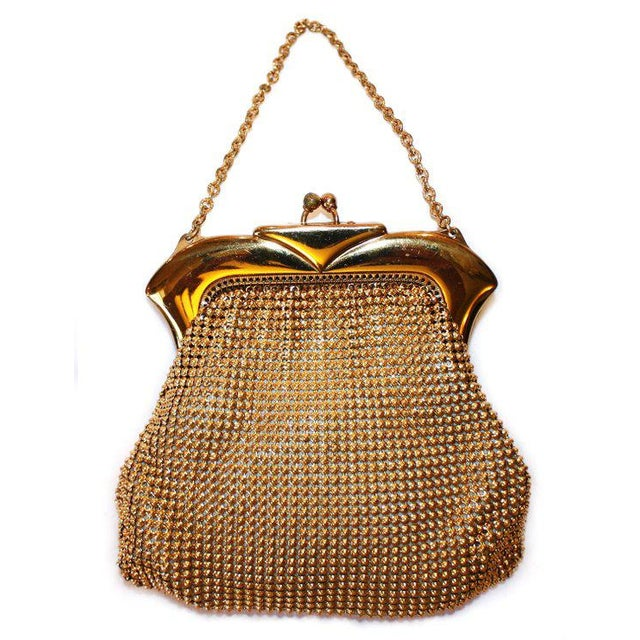 Traditional Vintage Whiting and Davis Beadalite Goldtone Mesh Purse For Sale - Image 3 of 3