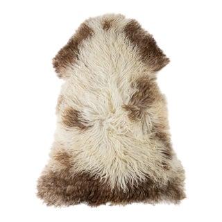 "Contemporary Handmade Long Wool Sheepskin Pelt Rug - 2'3""x3'8"" For Sale"