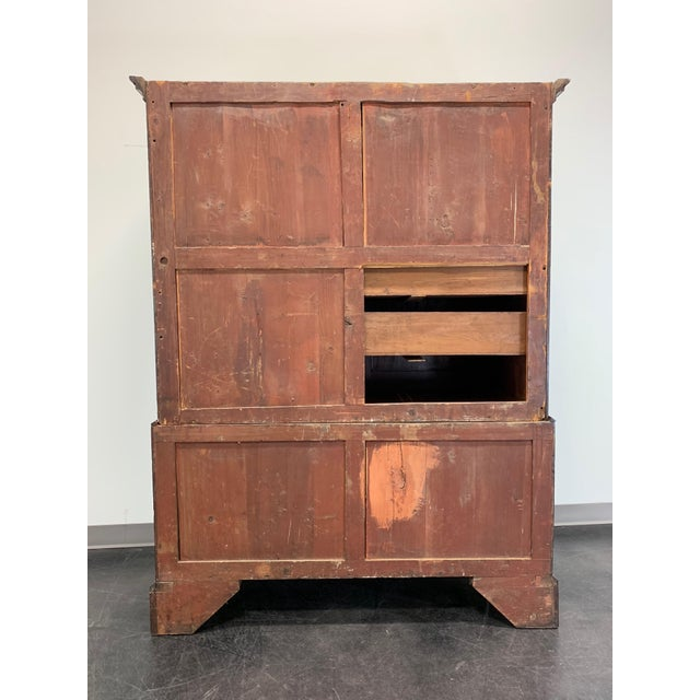 Thomas Chippendale Antique Late 18th / Early 19th Century Walnut & Mahogany Chippendale Linen Press For Sale - Image 4 of 13