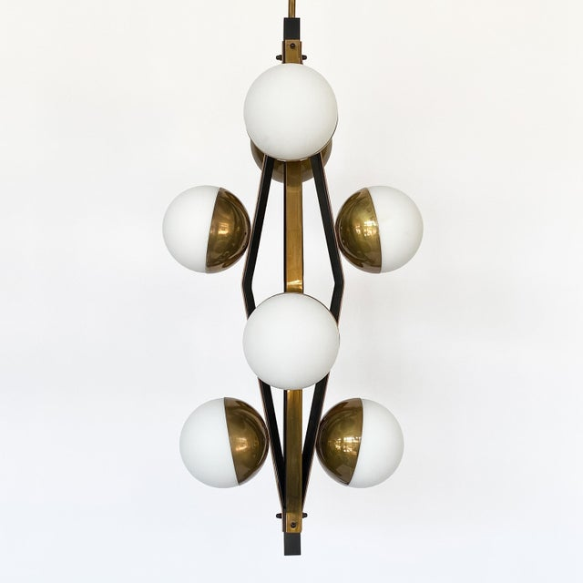 1950s Pair of Stilnovo Brass Eight Globe Pendant Chandeliers For Sale - Image 5 of 13