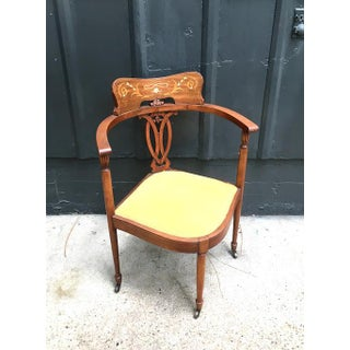 Early 20th Century Antique Corner Chair Preview