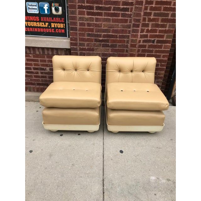 Leather Vintage Mid Century Modern Mario Bellini for B&b Italia Amanta Chairs Newly Upholstered - Set of 2 For Sale - Image 7 of 7