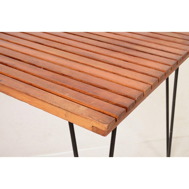 Mid-Century Modern Sol Air Pipsan Saarinen Slatted Table on Hairpin Legs For Sale - Image 3 of 4