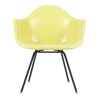 1950s Vintage Herman Miller Eames Fiberglass Max Lounge Chair For Sale