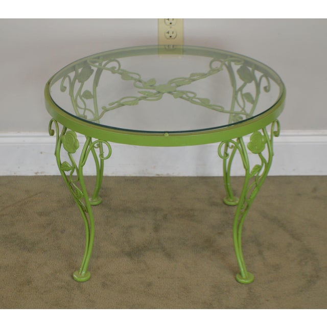1960s Woodard Chantilly Rose Garden Vintage Green Painted Wrought Iron Round Patio Side Table For Sale - Image 5 of 13