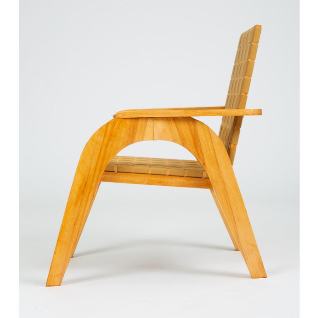 1980s Bauhaus-Style Maple Lounge Chair With Nylon Webbed Seat For Sale - Image 5 of 12