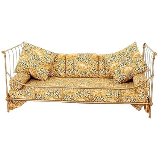 EXCEPTIONAL STEEL AND BRASS FRENCH DAYBED BY MAISON JANSEN WITH FINE DETAILS For Sale