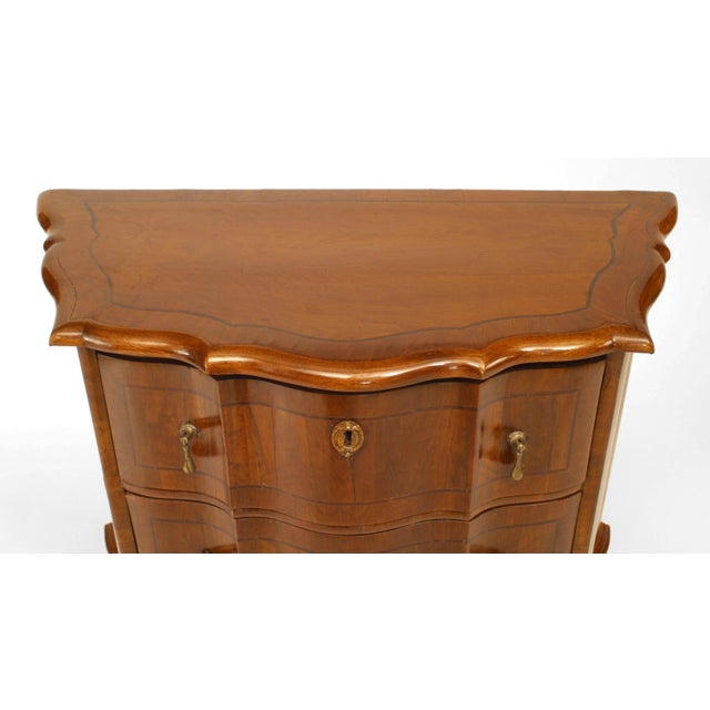 Pair of Italian Venetian Shaped Bedside Commodes For Sale - Image 4 of 7