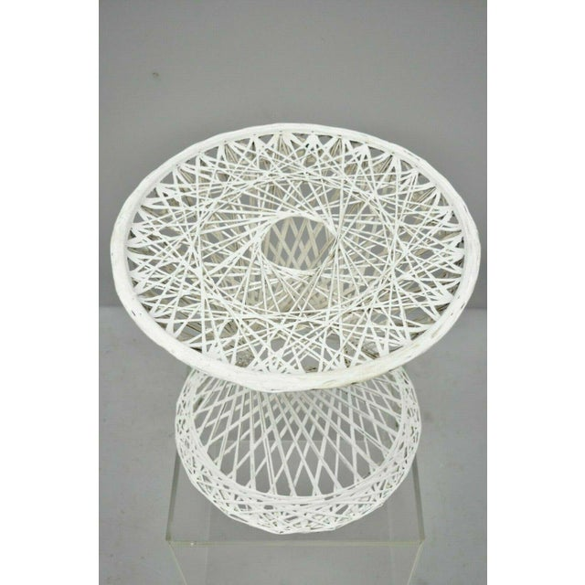 """Mid-Century Modern Vintage Russell Woodard Spun Fiberglass Woven 18"""" Accent Side Table For Sale - Image 3 of 9"""