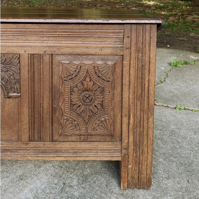 Early 19th Century Country French Rustic Oak Trunk For Sale In Baton Rouge - Image 6 of 13