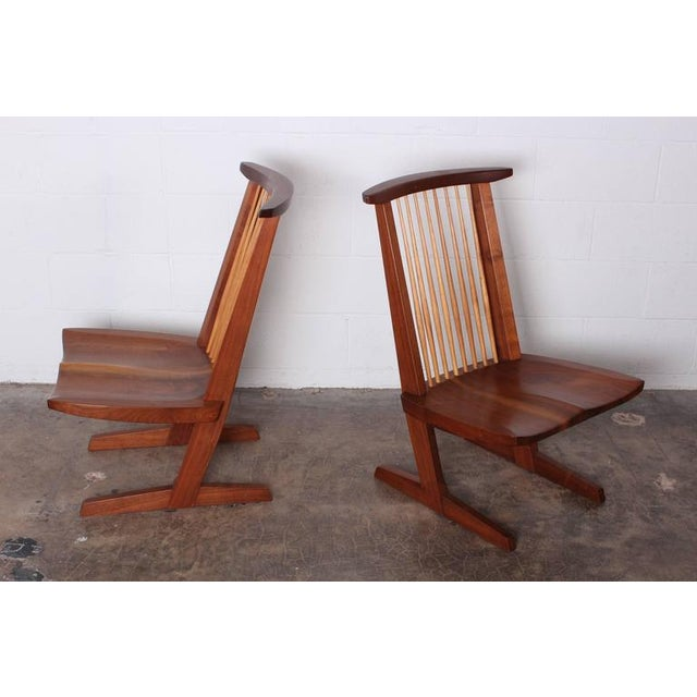 George Nakashima Pair of Conoid Lounge Chairs by George Nakashima For Sale - Image 4 of 10
