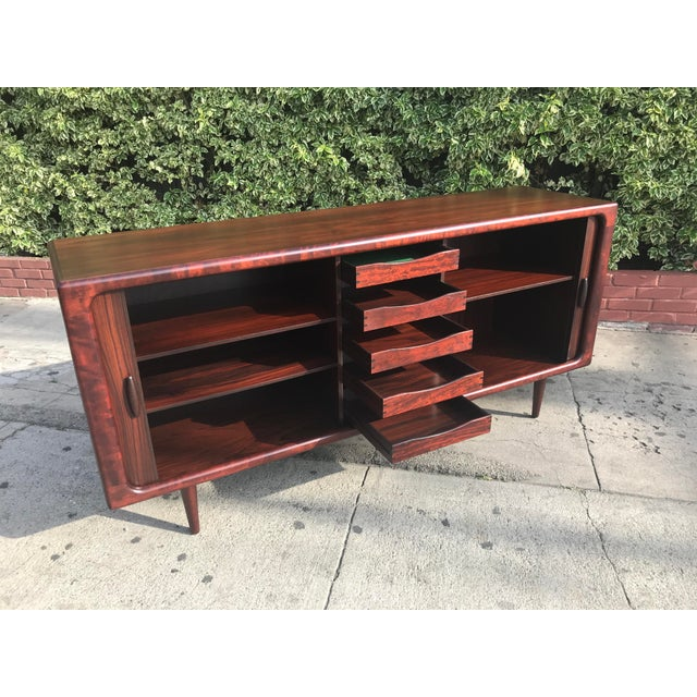 Rosewood Dyrlund Mid-Century Rosewood Credenza For Sale - Image 7 of 11