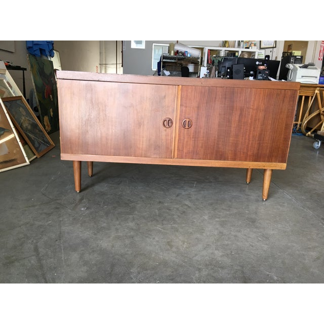 Danish Modern Rose Stained Credenza Cabinet W/ Sculpted Pig Nose Pulls For Sale - Image 4 of 8