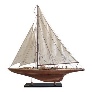 Endeavour Sailboat Model Decor