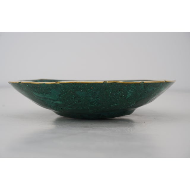 Late 20th Century Vintage Round Malachite Dish With Scalloped Brass Rim For Sale - Image 5 of 9